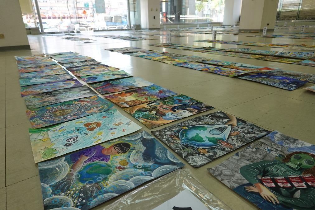 氣候變遷國中小繪畫創作比賽邁入第十屆,今年共計8,660名學生熱烈報名
